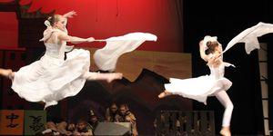 theatre -mulan 06 -dance -jump