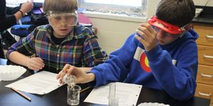 middle -science -boys -experiment