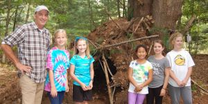 survival camp -girls -squirrel hut -teacher -Hoogstrate