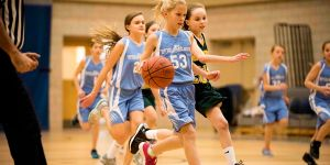 6th grade girls basketball -2016 -driving