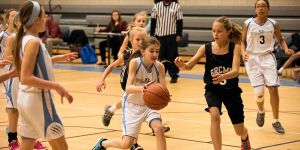 6th grade girls basketball -2016 -driving